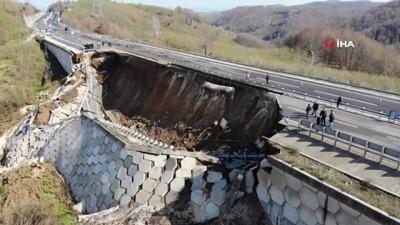 karayollari -  Heyelanın meydana geldiği yolda çalışmalar sürüyor