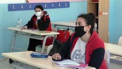 ozel okul -  - KKTC'de okullar Covid-19 gölgesinde ders başı yaptı
