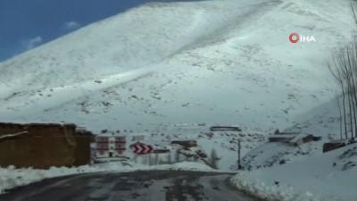 kis mevsimi -  Van bir günde iki mevsim yaşıyor: Yüksek kesimlerinde metrelerce kar merkezde bahar havası