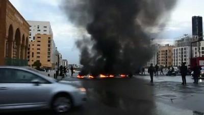 baskent - BEYRUT - Beyrut Şehitler Meydanı'nda ekonomik kriz protestosu