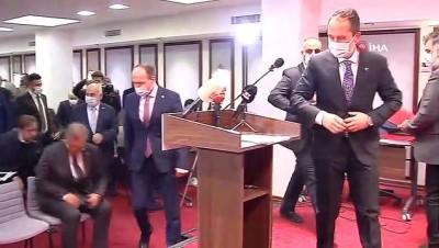 """- Erbakan: """"Bizim Kıbrıs sorunumuz 1974'te sona ermiştir"""""""