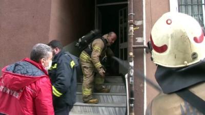 yangina mudahale -  Fatih'te korkutan yangın: Vatandaşlar büyük panik yaşadı