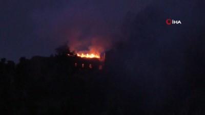 yangina mudahale -  - KKTC'deki St. Hilarion Kalesi'nde yangın