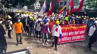 YANGON - Myanmar'da güvenlik güçleri protestoculara karşı gerçek mermi kullandı: 10 ölü (5)