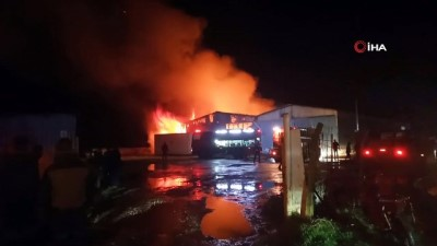 Karton fabrikası yangınına ekipler böyle müdahale etti