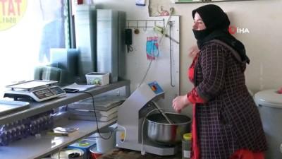 tatli imalathanesi -  Komşusuna rica ederek öğrendi, geliri ile çocuklarını okutuyor