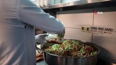 yuz yuze -  Atakum'dan 8 bin 854 kişiye sıcak yemek desteği