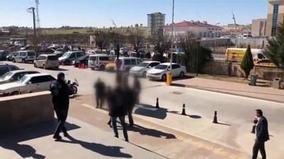 UŞAK - Cinayet zanlısı 5 kişiden biri tutuklandı