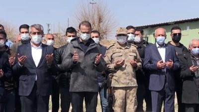 hain saldiri - Mardin'de 34 yıl önce terör örgütü PKK tarafından şehit edilen 8 sivil törenle anıldı