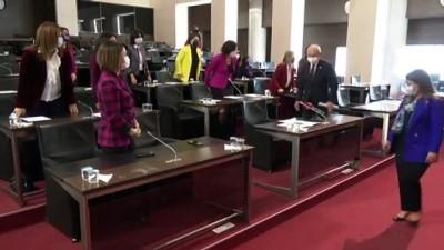 """kanun teklifi - ANKARA - Kılıçdaroğlu, 8 Mart Dünya Emekçi Kadınlar Günü'nde """"Siyasette Eşit Temsile"""" dair kanun teklifine ilk imza attı"""