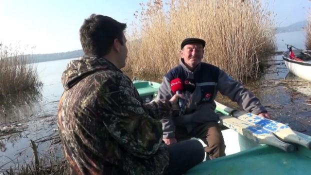 leylek koyu - BURSA - Leylek 'Yaren' 10'uncu göç yılında da Uluabat Gölü manzaralı yuvasına yerleşti