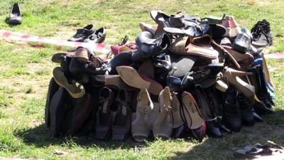 kadin cinayetleri - KOCAELİ - Ayakkabılardan yaptıkları heykelle kadın cinayetlerine dikkat çektiler
