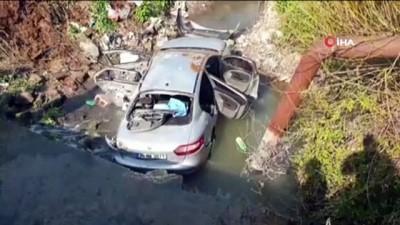 hanli -  Minibüsle çarpışan otomobil dereye uçtu: 3 ölü, 2 yaralı