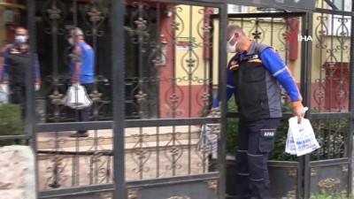 AFAD ekiplerinden kapı kapı afet bilgilendirilmesi