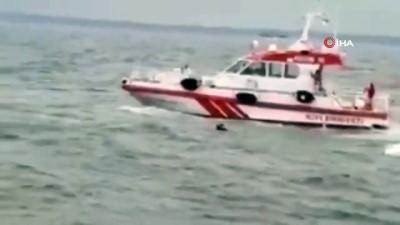 yardim cagrisi -  Batan balıkçı teknesindeki 3 kişi son anda kurtarıldı