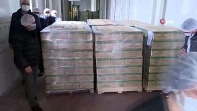 Bu tesiste paketlenen ballar İngiltere'ye ihraç ediliyor