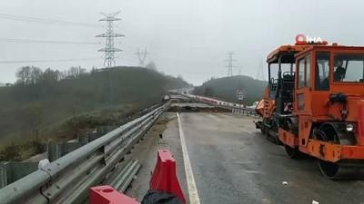 karya -  Çöken yoldaki çalışmalara sağanak yağmur engeli
