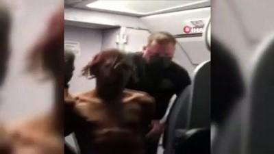 dera -  - Yolcu acil çıkış kapısını açmak istedi, uçak acil iniş yaptı