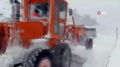kar kalinligi -  Antalya-Konya karayolunda kar kalınlığı 50 santime ulaştı