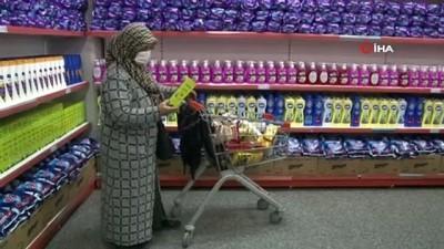 market -  Arnavutköy'de Ramazan dolayısıyla ihtiyaç sahiplerine gıda yardımı