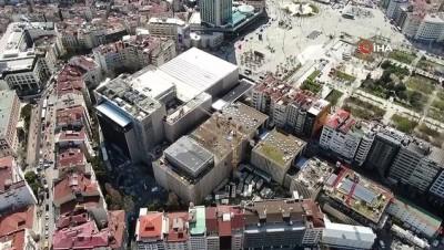 konferans -  Atatürk Kültür Merkezi'ndeki dış cephesi son halini alıyor