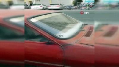 guvenlik onlemi -  Görenleri şaşırtan otomobil... Kapı ve kaputa asma kilitli güvenlik önlemi