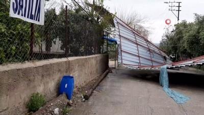 Osmaniye'de fırtına evlerin çatısını uçurdu