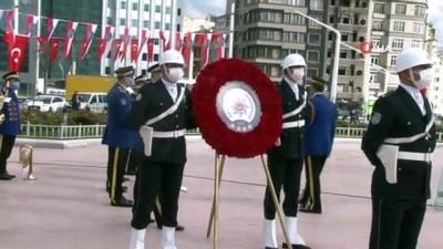 Polis Teşkilatının 176'ncı kuruluş yıldönümünde Taksim Cumhuriyet Anıtı'na çelenk bırakıldı