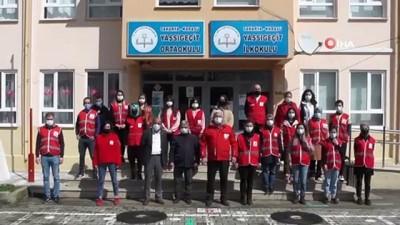 Gönüllü ordusu minik öğrenciler için okulu hazırladı