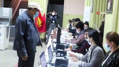 basin mensuplari -  - Kırgızistan'da halk Anayasa değişikliği referandumu için sandık başında