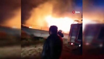 imalathane -  Manavgat'ta çekek yerindeki 2 tekne alev alev yandı