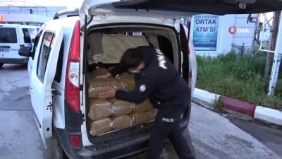 ticari plaka -  Adana'da durdurulan 2 araçtan 1 ton gümrük kaçağı tütün yakalandı
