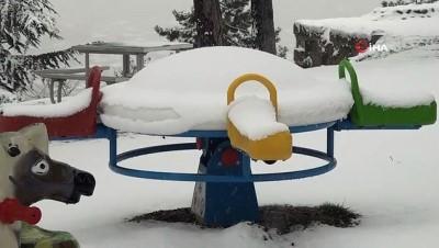 yagan -  Kütahya'da nisan ayında kar sürprizi