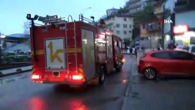 Motosiklet alev alev yandı, vatandaşlar binada mahsur kaldı