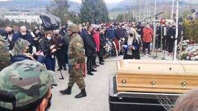 resmi toren -  - Bosnalı General Divjak, son yolculuğuna uğurlandı