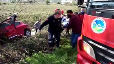 Kontrolden çıkan otomobil uçtuğu tarlada ağaca çarptı: 3 yaralı