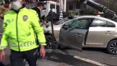 Otomobil rampada yan yatınca trafik kilitlendi: 1 yaralı
