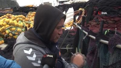 Balık sezonu bitti, balıkçılar ağlarını bakıma aldı