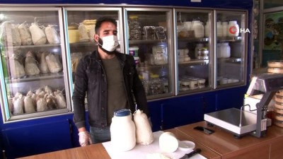 Erzincan'da sahur sofralarının vazgeçilmezi 'tulum peyniri'