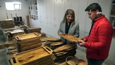 Kadın girişimci yakacak zeytin odunlarını, mutfak gerecine çevirip ihracat yapıyor
