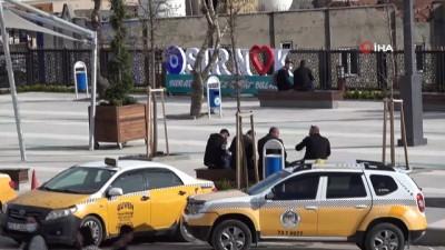 Kırmızıya dönen Türkiye'nin tek sarı kentinde vatandaşlar artan vakalar nedeni ile tedirgin
