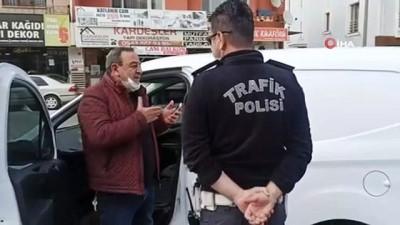 Polis uygulamasına rağmen cep telefonuyla konuşmaya devam etti
