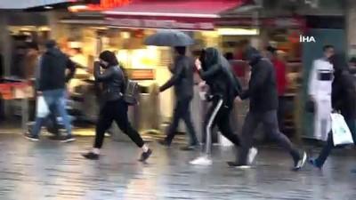 kalaba -  Taksim'deki yoğunluk yağmur yağışı sonrası dağıldı