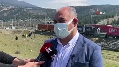 Yetkililer tren kazasının yaşandığı bölgede inceleme yaptı