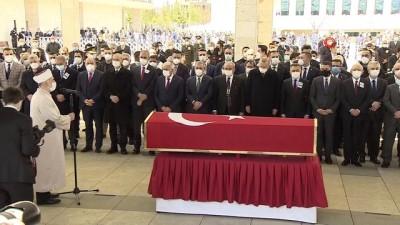 Eski Başbakan Yıldırım Akbulut'un cenaze namazı kılındı