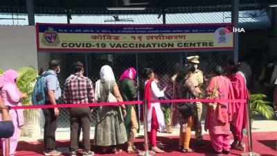 lyon -  - Hindistan'da günlük korona virüs vaka sayısı ilk kez 200 bini aştı