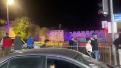 atli polis -  İsrail güçleri, teravih namazından çıkan Filistinlilere saldırdı