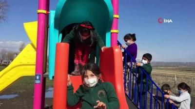 uttu -  Bu çocukların yüzlerinin gülmesi her şeye değer... Bursalı öğretmen istedi, Alinur Başkan yaptırdı