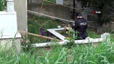 kabristan -  Dua etmek için gittiği aile mezarlığında kayıp oğlunun cesedini buldu