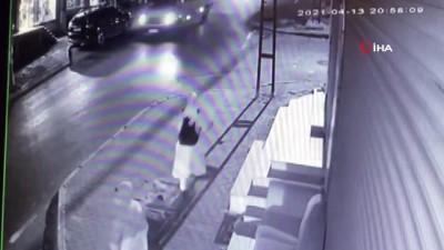 hirsiz -  Avcılar'da kadına kapkaç şoku kamerada